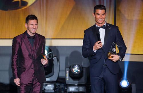 Góc châm biếm: CR7 gửi thư chúc mừng Messi đoạt QBV - 1