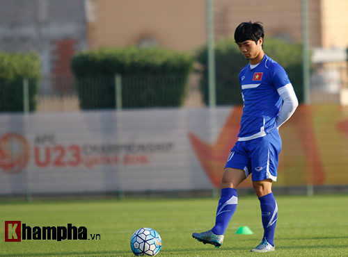 """U23 VN: Cận cảnh gương mặt """"xấu xí"""" của Công Phượng - 1"""
