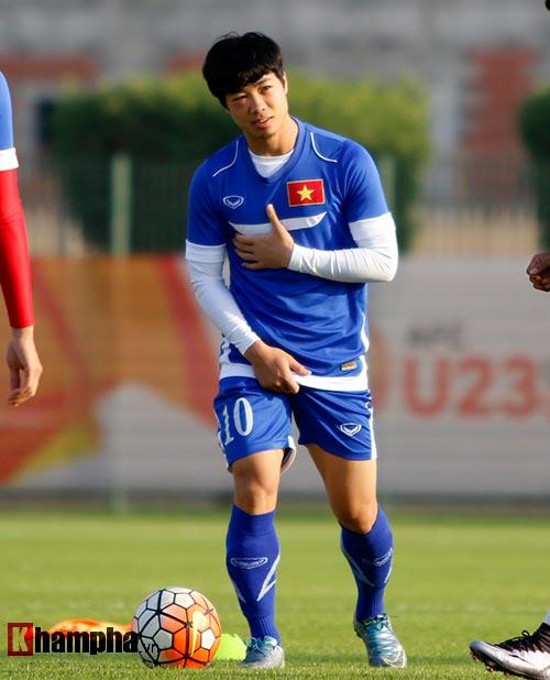 """U23 VN: Cận cảnh gương mặt """"xấu xí"""" của Công Phượng - 4"""