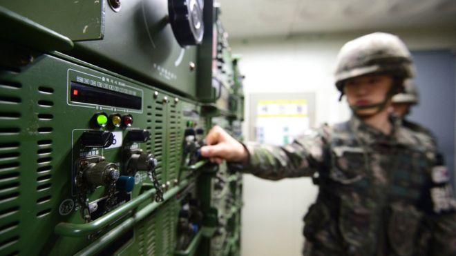 """""""Loa chiến"""" giữa Triều Tiên - Hàn Quốc: Ai mạnh hơn? - 1"""
