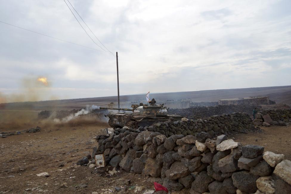 """Ảnh: Bên trong """"thị trấn xác sống"""" ở Syria - 5"""