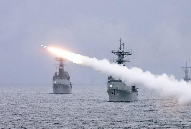Tên lửa Iran sẵn sàng bắn hạ tàu sân bay Mỹ - 1