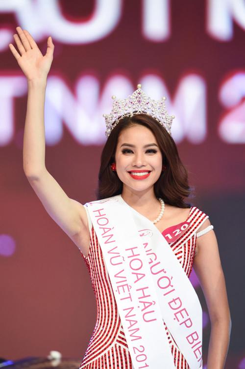 Bật mí bí quyết giúp Phạm Hương thu phục triệu fan - 4