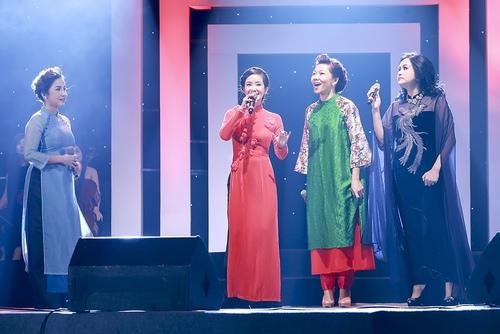 Khoảnh khắc đẹp của 4 diva trên sân khấu Hà Nội - 13