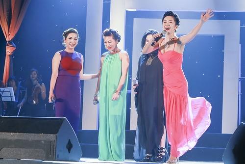 Khoảnh khắc đẹp của 4 diva trên sân khấu Hà Nội - 2