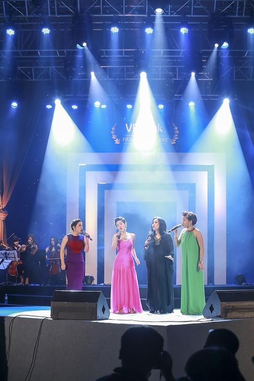 Khoảnh khắc đẹp của 4 diva trên sân khấu Hà Nội - 3