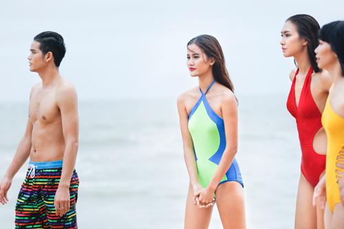 Bộ 3 quán quân Next Top Model gợi cảm với bikini - 8