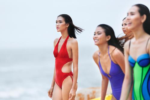 Bộ 3 quán quân Next Top Model gợi cảm với bikini - 1
