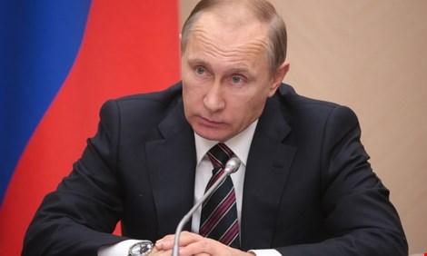 Ông Putin công bố Nga có vaccine mới chống đại dịch Ebola - 1