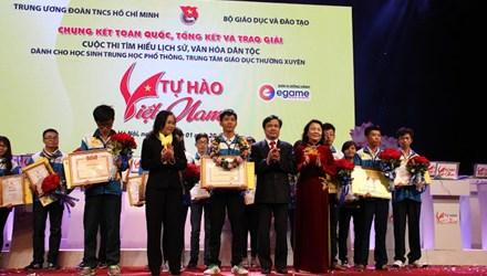 """'Nhà sử học' trẻ Huỳnh Thanh Thân vô địch """"Tự hào Việt Nam"""" - 1"""
