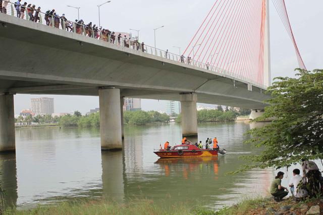 Vụ bắn người ở Đà Nẵng: CA lặn sông tìm súng của nghi phạm - 1