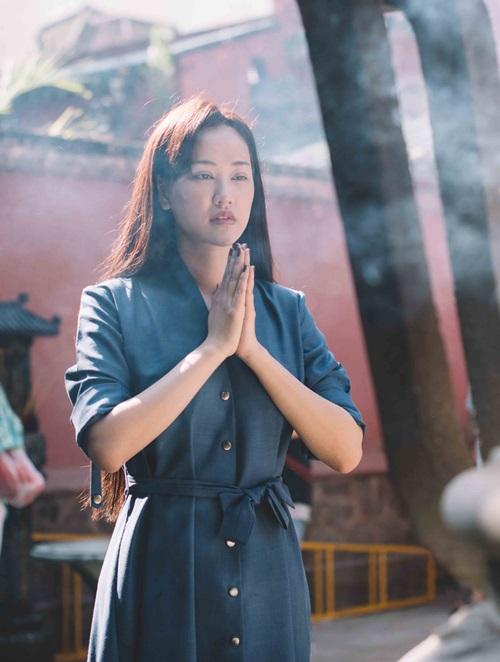Maya đi chùa cầu an cùng mẹ con Trang Trần - 3