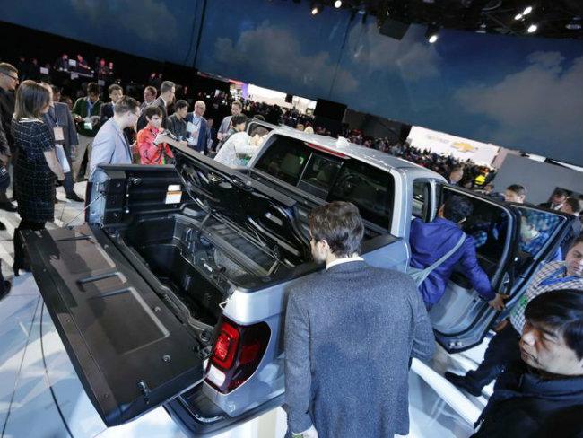 Mẫu xế bán tải 2017 Honda Ridgeline RTL- E thu hút phái mạnh.