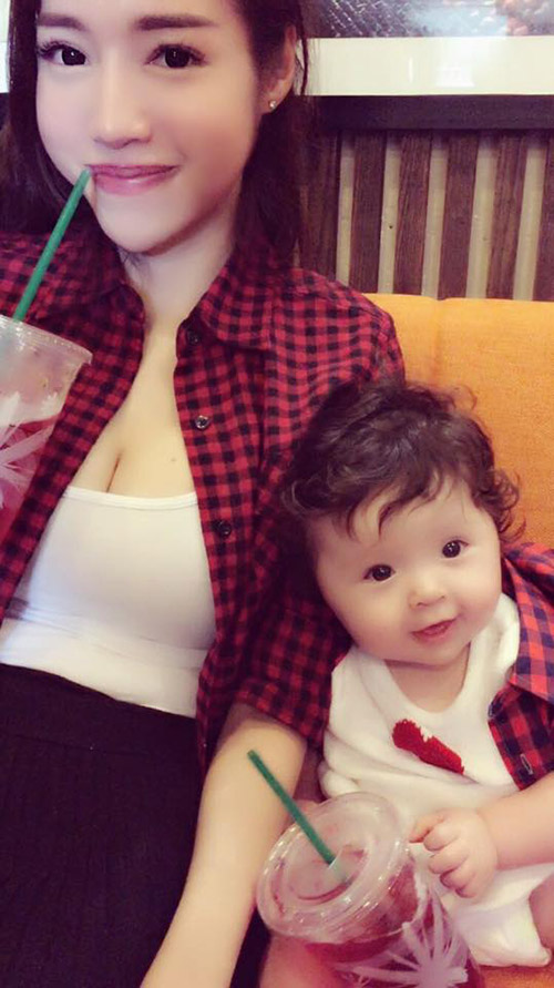 8 cặp mẹ con sao Việt sở hữu gu thời trang cực 'chất' - 5
