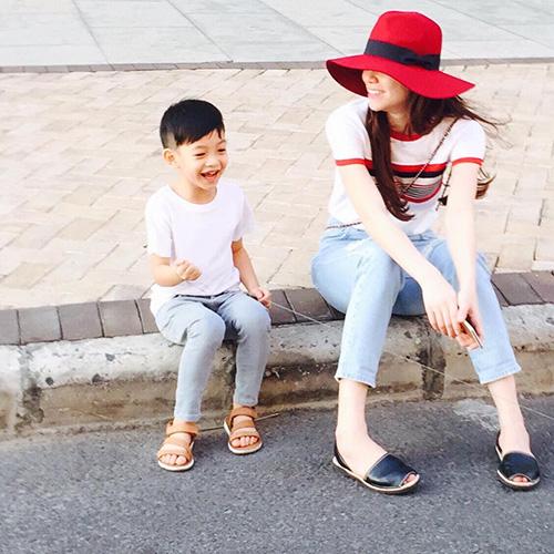 8 cặp mẹ con sao Việt sở hữu gu thời trang cực 'chất' - 10