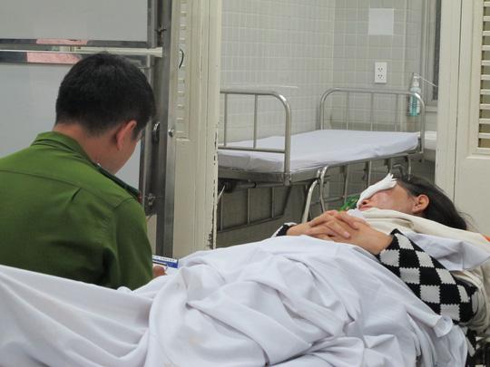 Một phụ nữ bị tạt axit tại trung tâm TP HCM - 2