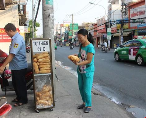 Tủ bánh mì miễn phí giữa Sài Gòn - 3