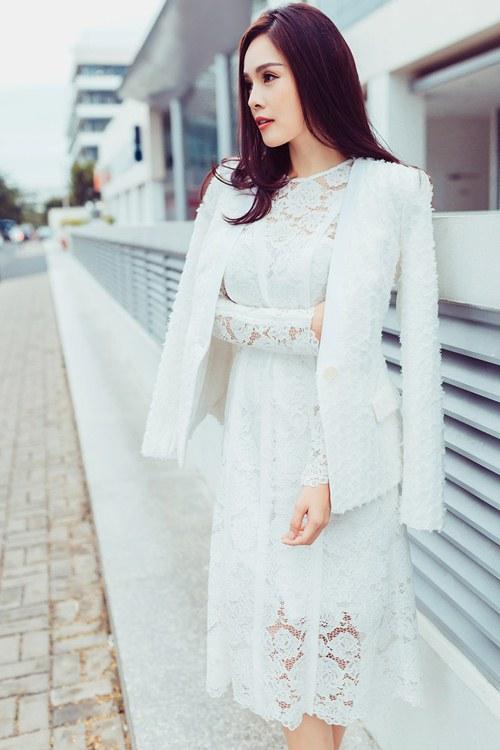 Dương Cẩm Lynh khoe vẻ đẹp rạng rỡ vượt thời gian - 11