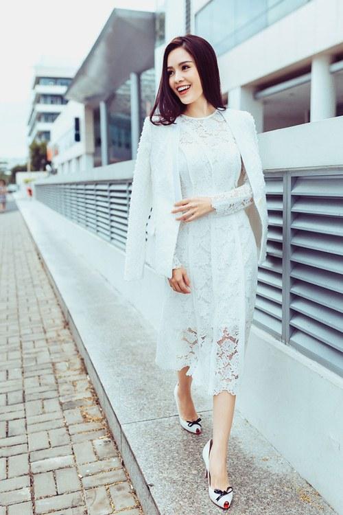 Dương Cẩm Lynh khoe vẻ đẹp rạng rỡ vượt thời gian - 13