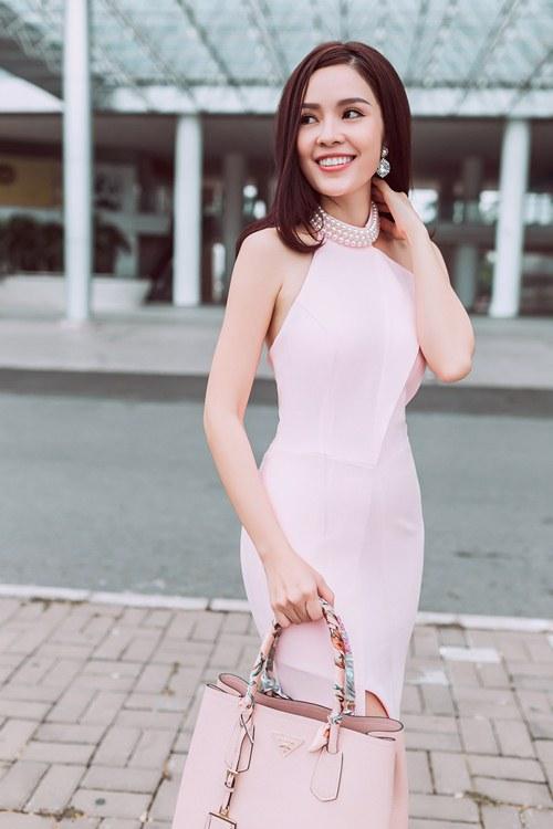 Dương Cẩm Lynh khoe vẻ đẹp rạng rỡ vượt thời gian - 14