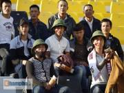 Bóng đá - CĐV đội… mũ cối vào sân cổ vũ U23 Việt Nam