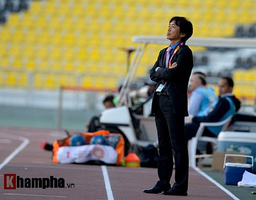 """U23 Việt Nam: HLV Miura """"bực mình"""" với trợ lý - 6"""