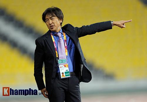 """U23 Việt Nam: HLV Miura """"bực mình"""" với trợ lý - 4"""