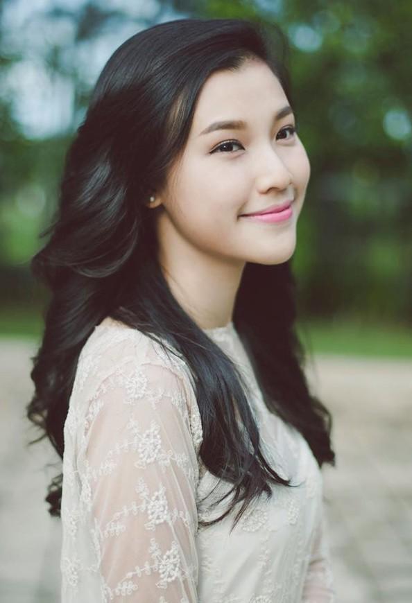4 bí quyết giúp á hậu Hoàng Oanh luôn xinh đẹp, rạng rỡ - 3