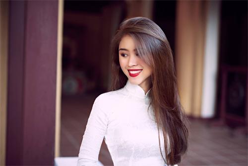 Làm đẹp cùng nữ blogger Việt khả ái như hoa hậu - 1
