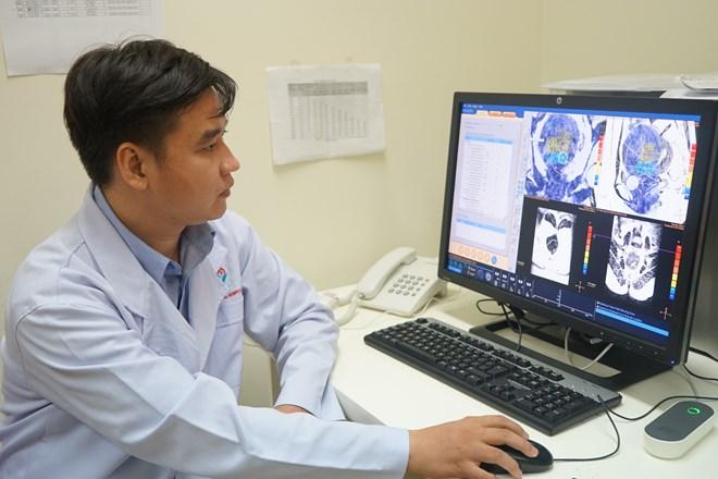 Loại bỏ u xơ tử cung to 9cm không cần phẫu thuật - 1