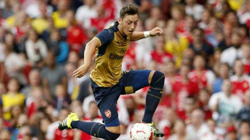 """Arsenal: """"Pháo thăng thiên"""" trên đôi cánh Ozil - 1"""