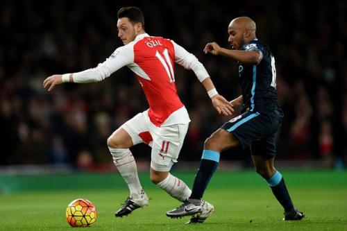"""Arsenal: """"Pháo thăng thiên"""" trên đôi cánh Ozil - 2"""