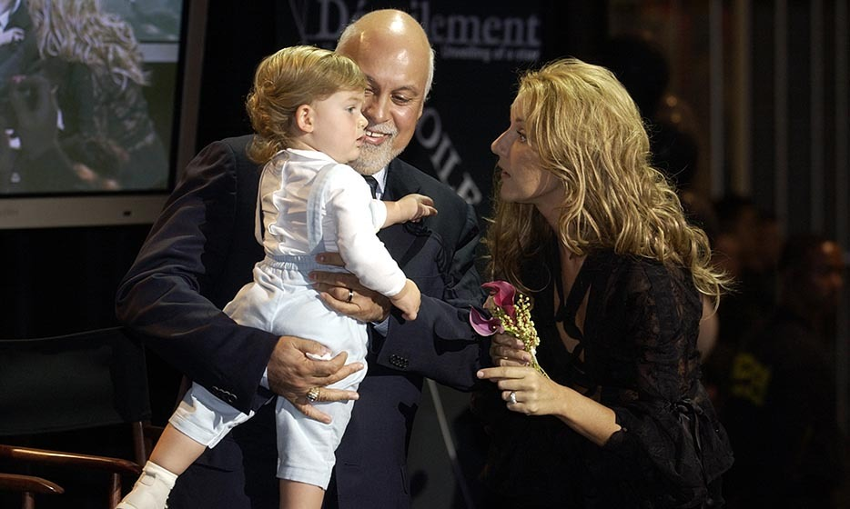 Những cột mốc mối tình 'bất tử' của vợ chồng Celine Dion - 9