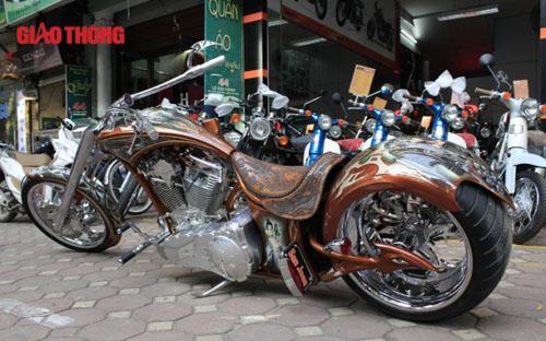 """Chopper độc ở Hà Nội: """"Gừng càng già càng cay"""" - 1"""