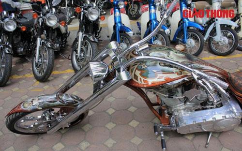 """Chopper độc ở Hà Nội: """"Gừng càng già càng cay"""" - 4"""
