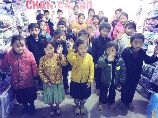 Á hậu Dương Yến Ngọc khởi động năm mới bằng từ thiện - 4
