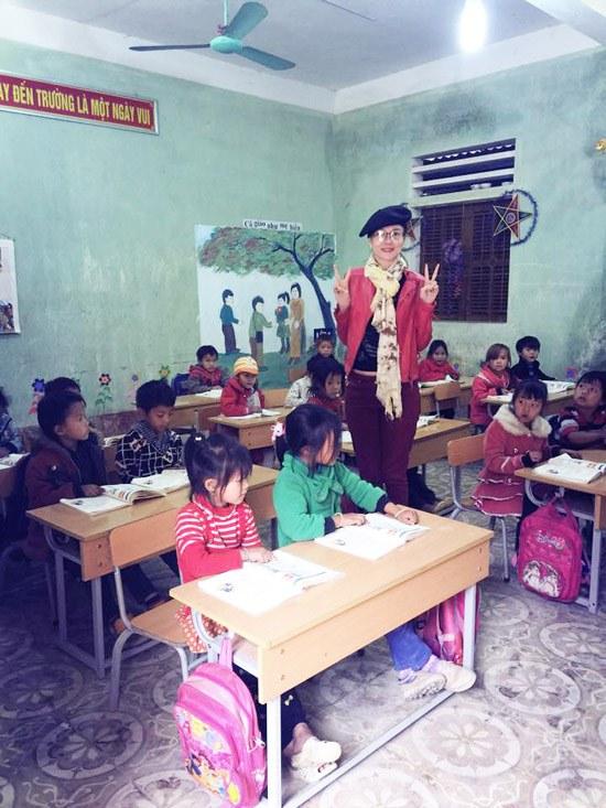 Á hậu Dương Yến Ngọc khởi động năm mới bằng từ thiện - 5