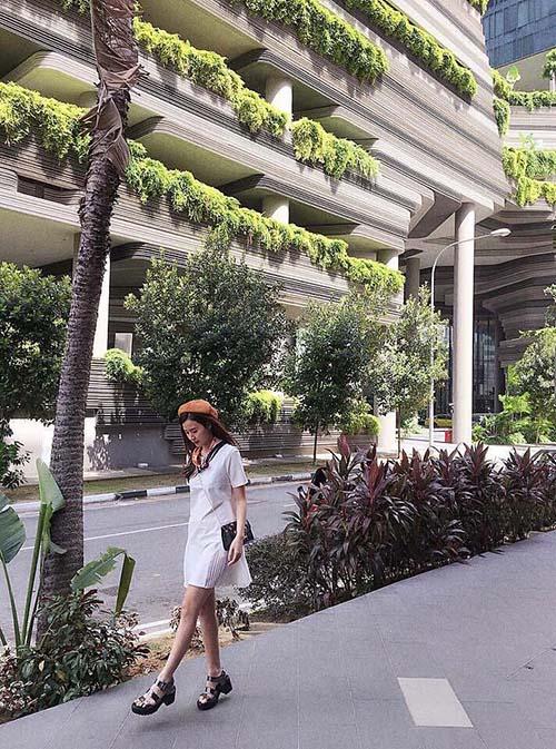Facebook sao 15/1: Hà Hồ khoe phòng ngủ ở khách sạn 5 sao - 12