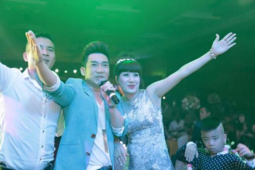 Đại gia Thái Bình chi tiền tỷ mời 50 sao hát mừng vợ - 4