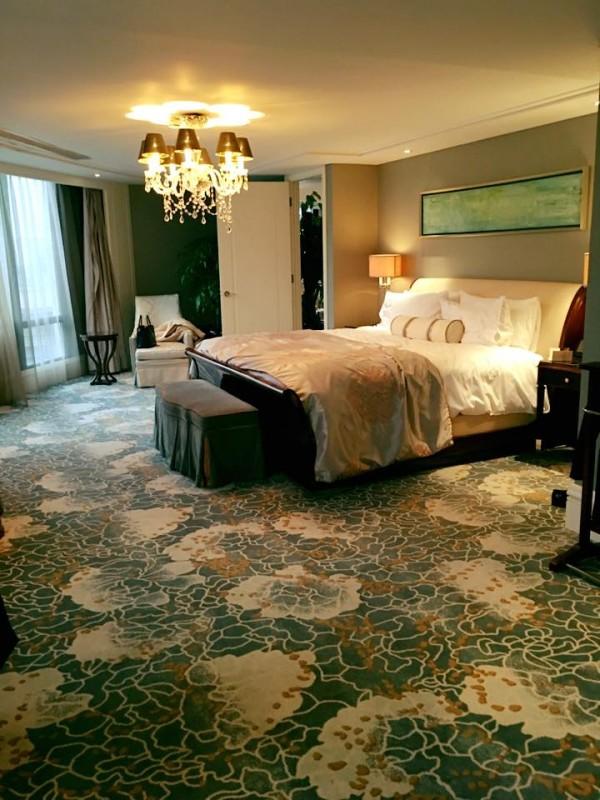 Facebook sao 15/1: Hà Hồ khoe phòng ngủ ở khách sạn 5 sao - 1