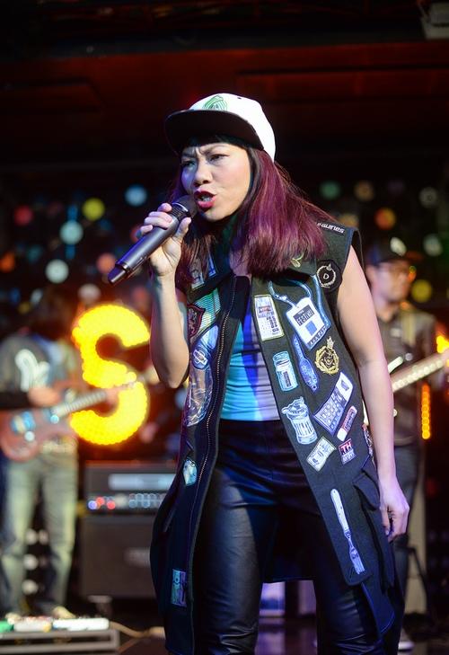 Diva Hà Trần ra mắt album sau gần 10 năm 'thai nghén' - 2