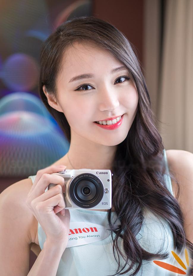 Chiếc Canon EOS M3 ra mắt lần đầu vào tháng 2/2015.