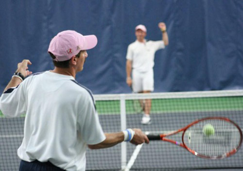 Kỷ lục quái đản: Đôi công tennis tới 14 tiếng - 1