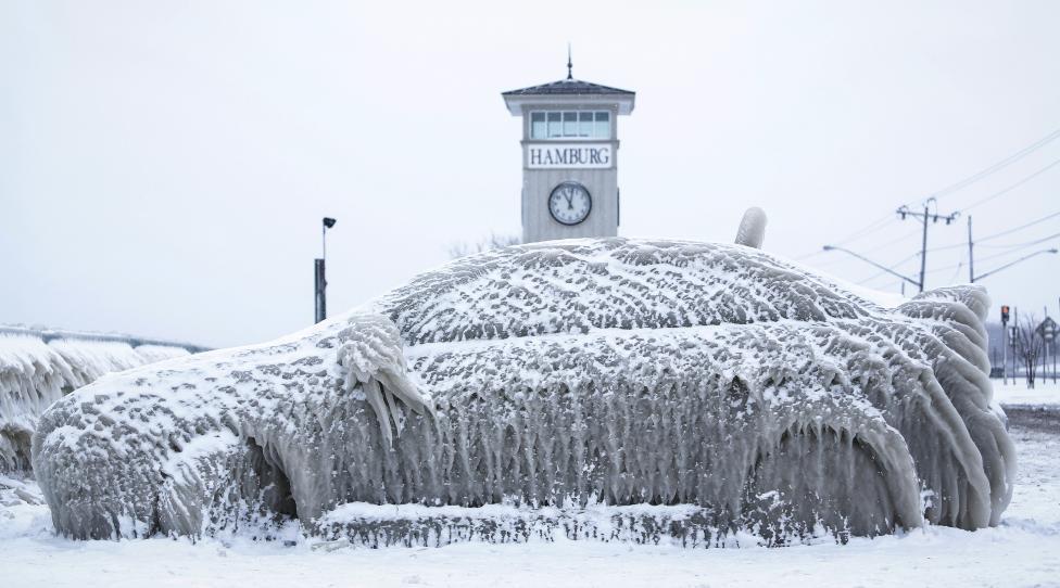 Ngắm mùa đông băng tuyết trắng xóa nhiều nơi trên TG - 1