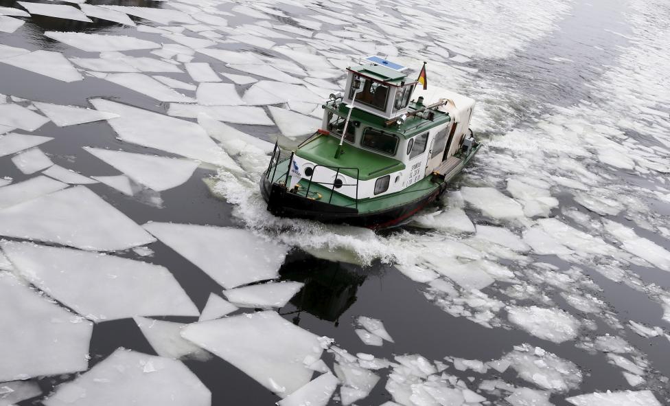 Ngắm mùa đông băng tuyết trắng xóa nhiều nơi trên TG - 7