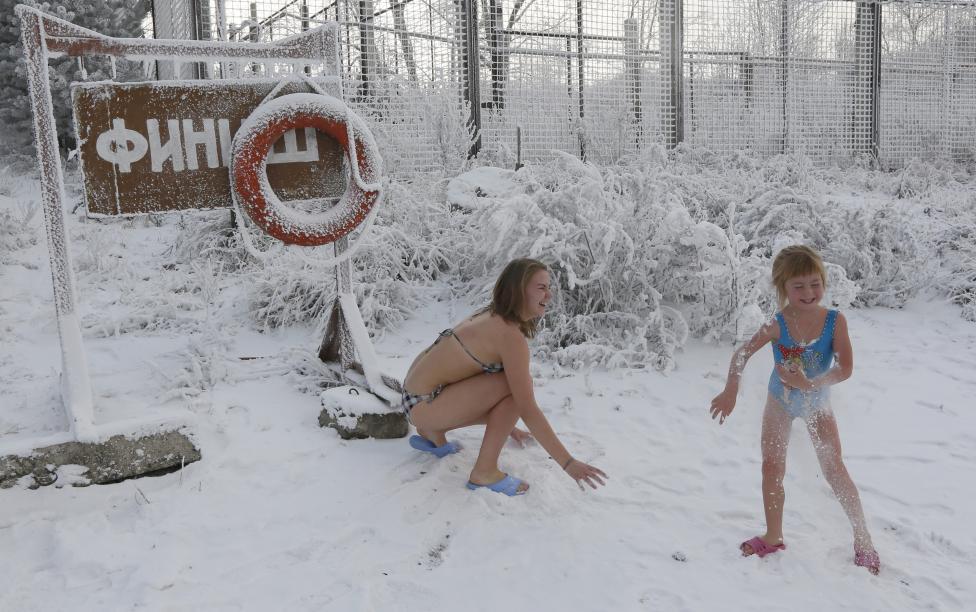 Ngắm mùa đông băng tuyết trắng xóa nhiều nơi trên TG - 13