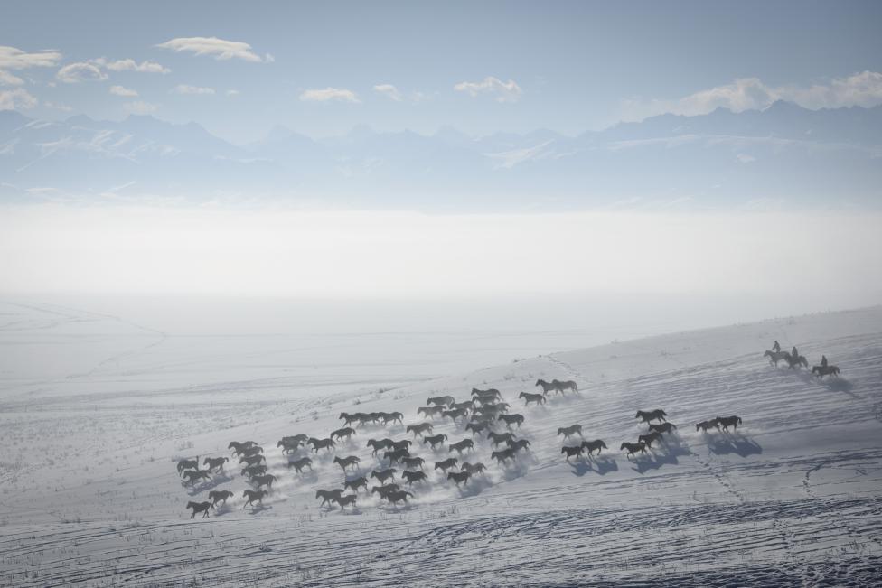 Ngắm mùa đông băng tuyết trắng xóa nhiều nơi trên TG - 14