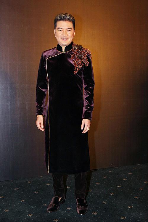 Phan Như Thảo và chồng đại gia tình tứ chốn đông người - 5