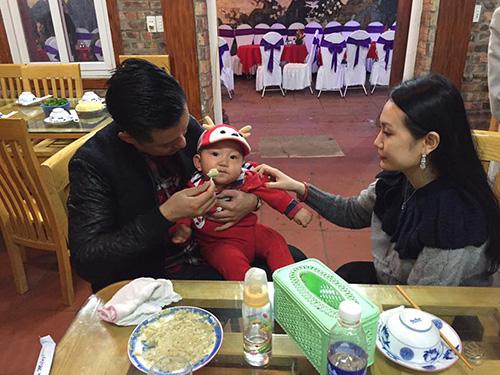 Facebook sao 16/1:  Vợ chồng Hà Tăng mừng tất niên sớm - 12