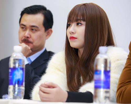 Linh Miu gợi cảm xuất hiện sau scandal đánh nhau - 5